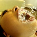 迫力Jカップ爆乳女優がザーメン飲みっぷりを披露する豪快ごっくん精液便女動画